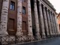 """"""" Piazza di pietra """""""